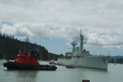 The retired navy ship arrive in Opua to be stripped in preparation for sinking