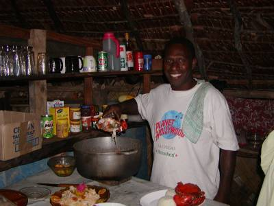 Calo serves up mud crab for dinner - no electricity, no stove!